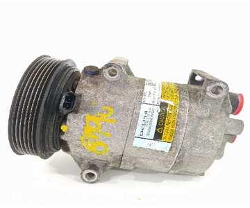 Compresor del aire acondicionado de Renault Megane 8200316164  | Desguazon